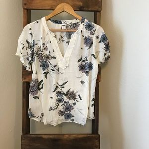 Old Navy Tops - Floral Old Navy Top